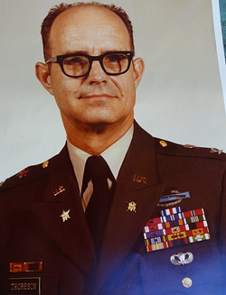 1980 Chief of Staff 5th Infantry Division (Mechanized)