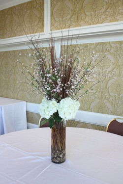 Long Hydrangeas Centerpiece