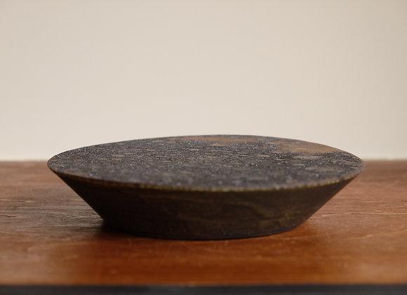 黒釉台皿 | flat plate
