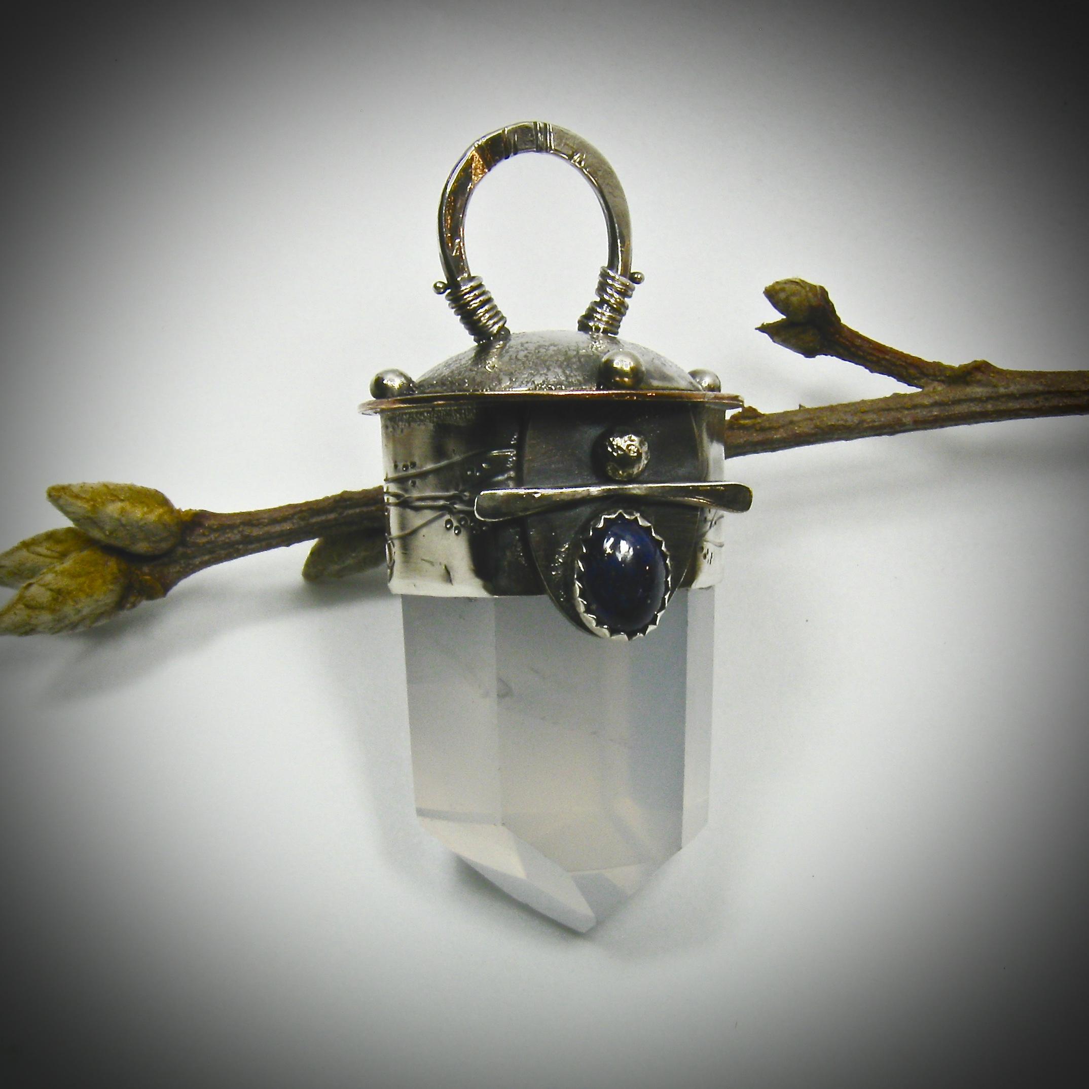 VWD quartz pendant