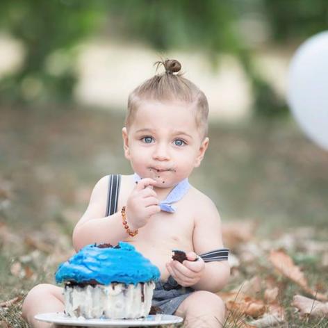 Canberra cake smash photoshoot