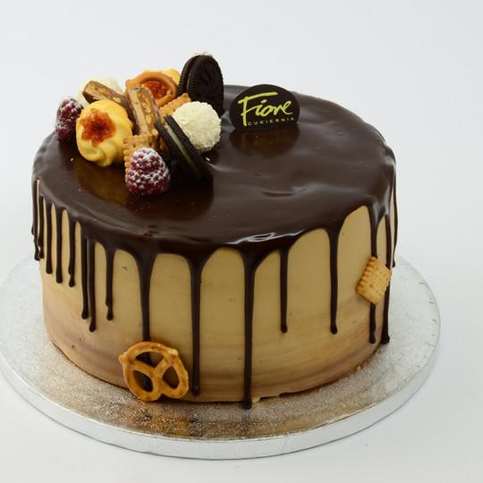 Tort Karmelowo-Orzechowy