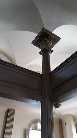 Image of a load-bearing pillar inside a church.
