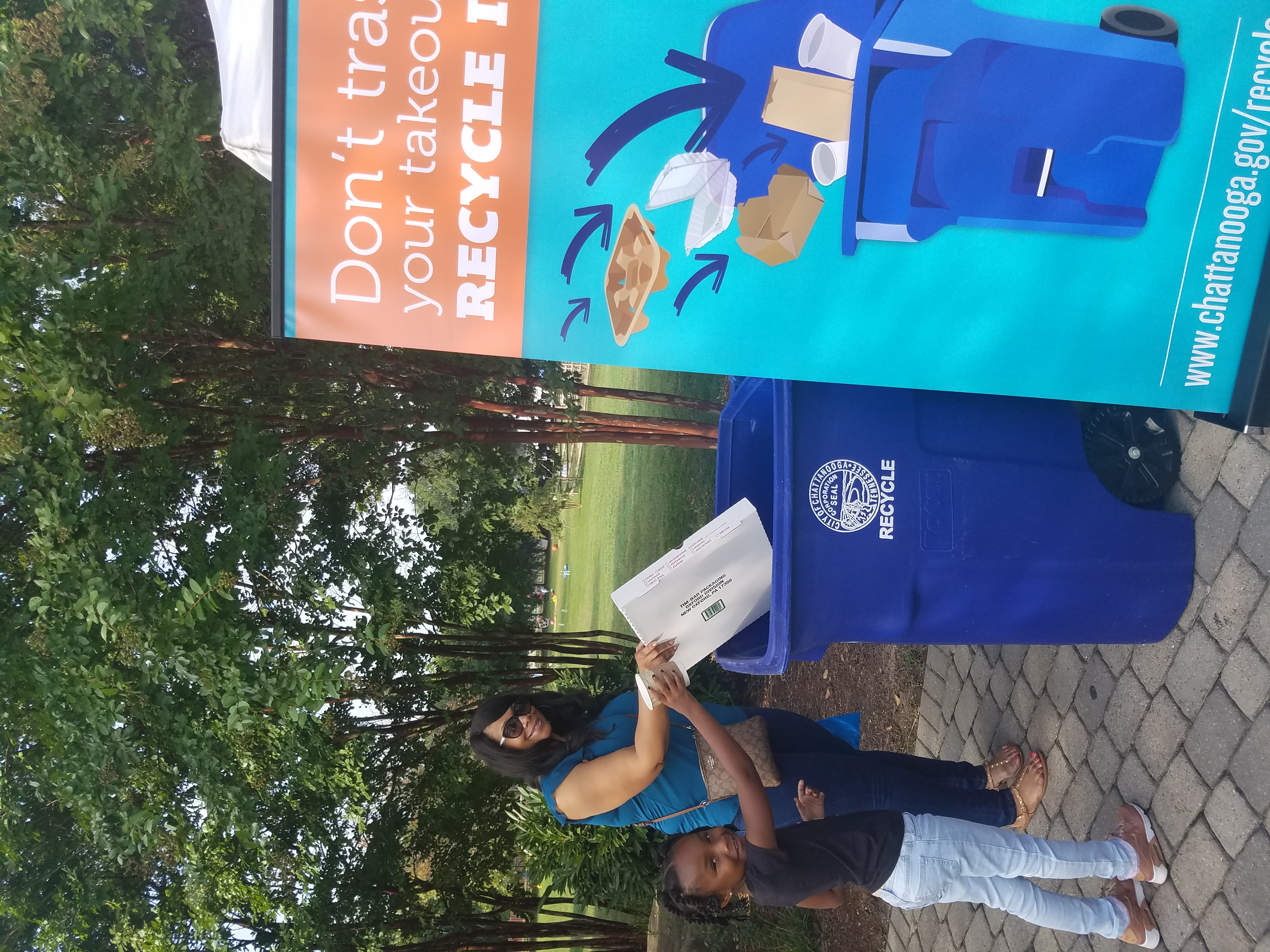 Chattanooga residents recycle foodservice packaging at an event at chattanooga Zoo