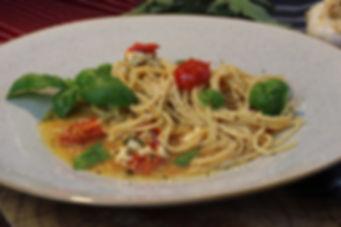 IMG_6827.JPG Hüttenkäse - Kirsch Tomaten - Pasta