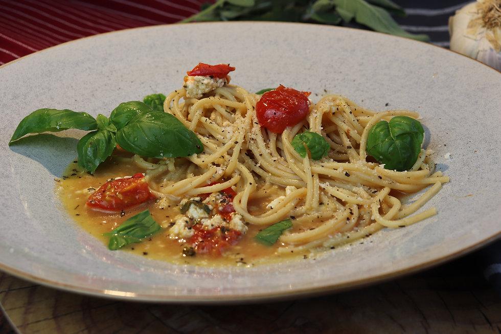 IMG_6827.JPG gesund und köstlich   vegetarisch   Hüttenkäse mit Kirsch-Tomaten