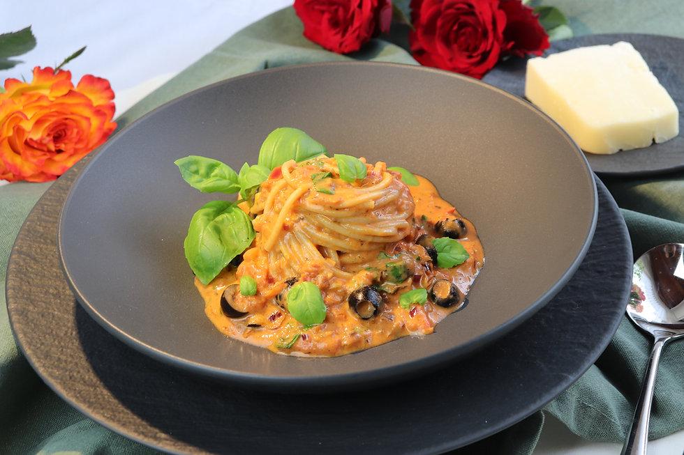 IMG_9084.JPG Pasta mit Anchovis, Tomaten und Oliven | Omega-3-Fettsäuren | biologisch hochwertige Proteine | Pastaliebe