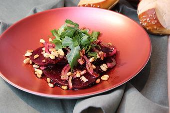 IMG_8595.JPG Rote Beete Salat mit Rucola