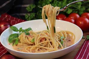 IMG_1594.JPG Einfache Tomatensauce mit Spaghetti - schnell und so lecker -