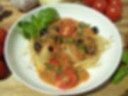 DSCI7851.JPG Pasta mit Anchovis, Tomaten und schwarzen Oliven