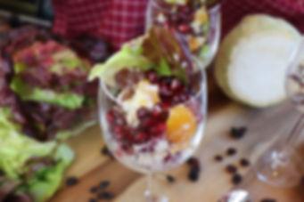 IMG_0443.JPG Fruchtiger Sellerie Salat mit Trauben, Möhren und Nüssen