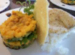 Wolfsbarschfilet mit Avocado-Mango-Tower