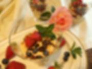 DSCI7614.JPG Erdbeeren mit Skyr im Glas