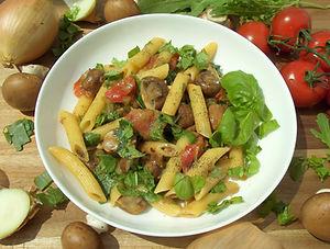 DSCI7444.JPG Pasta mit Champignons und Tomaten