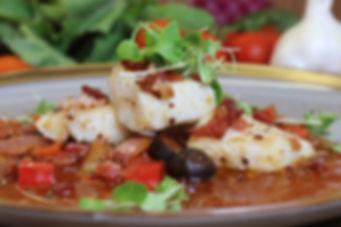 IMG_4935.JPG Seelachsfilet mit Bacon auf frischer Tomatensauce
