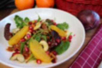 IMG_0863.JPG Vitaminreicher Wintersalat mit Orangenfilets und Granatapfelkerne