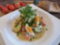 vegetarisch Sommersalat mit Tomaten und Saatgurke
