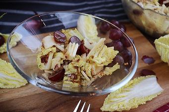 IMG_0889.JPG Chinakohl-Salat mit Trauben