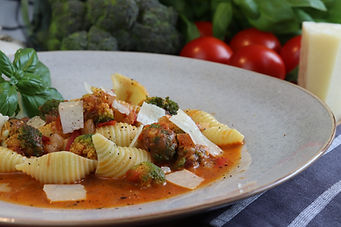 IMG_4075.JPG Italienische Tomatensoße, 2 Personen, 25 - 30 Minuten