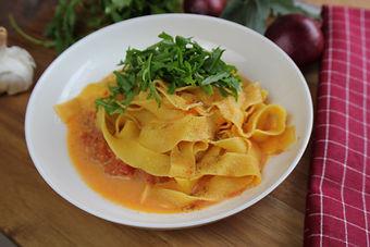 IMG_9914.JPG Schnelle Tomatensoße mit Büffelmozzarella