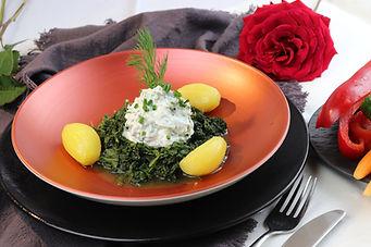 IMG_9152.JPG Kräuter-Quark mit Salzkartoffeln und Blattspinat | gesund und köstlich | vegetarisch