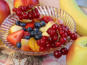 IMG_3515.JPG Beschwipster Obstsalat, Apfel, Banane, Zitrone,