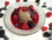 DSCI8184.JPG Himbeersoße - Schokoladeneis - Beeren