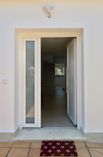 entrance-door-house-hall-ref185.jpg