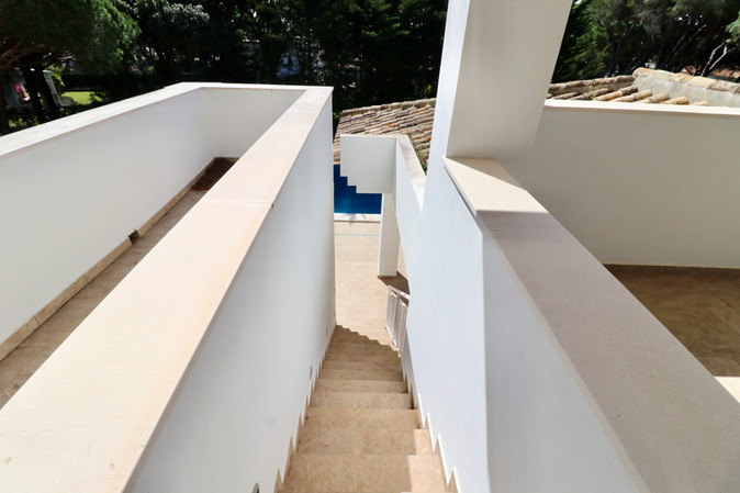 exterior-staircase-pool-ref13jpg