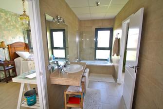 bedroom-bathroom-ensuite-ref159jpeg