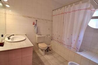 bathroom-ensuite-master-bedroom-ref06.jpg