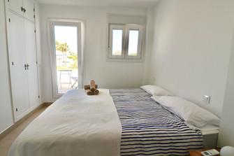 view-terrace-garden-bedroom-ref185.jpg