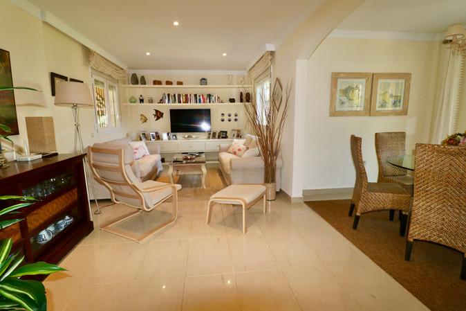modern-living-dining-room-ref40.jpg