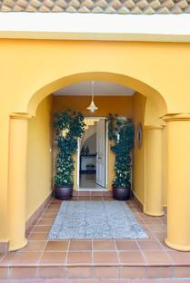entrance-door-hall-property-ref40.jpg