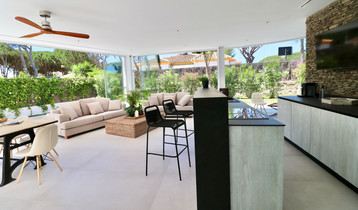 bar-chill-out-area-terrace-ref18jpg