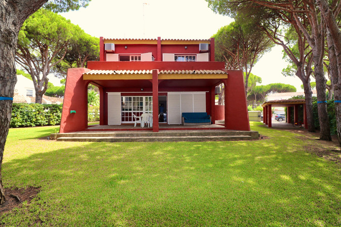 nice-villa-garden-terrace-parking-ref06.jpg
