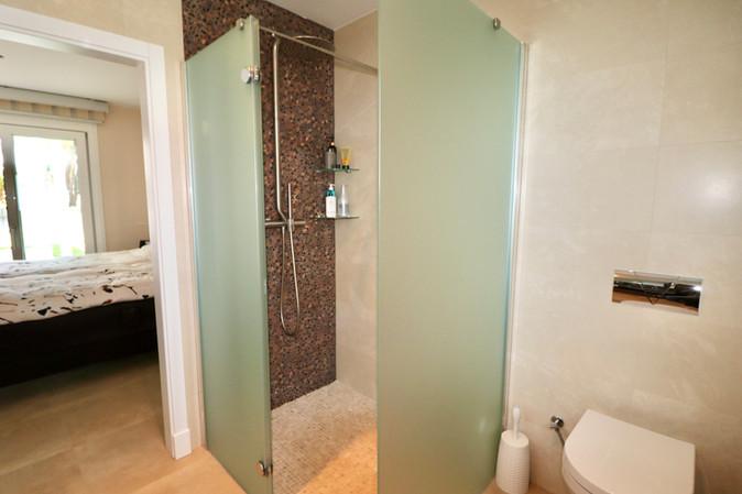 beautiful-shower-bathroom-ref13jpg