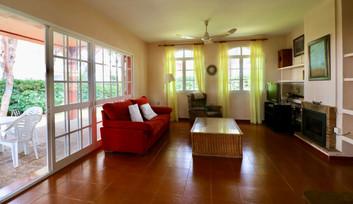 living-room-access-terrace-ref06.jpg