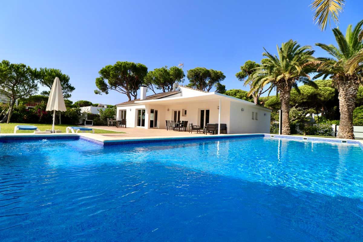 nice-property-huge-pool-garden-refv65.jp