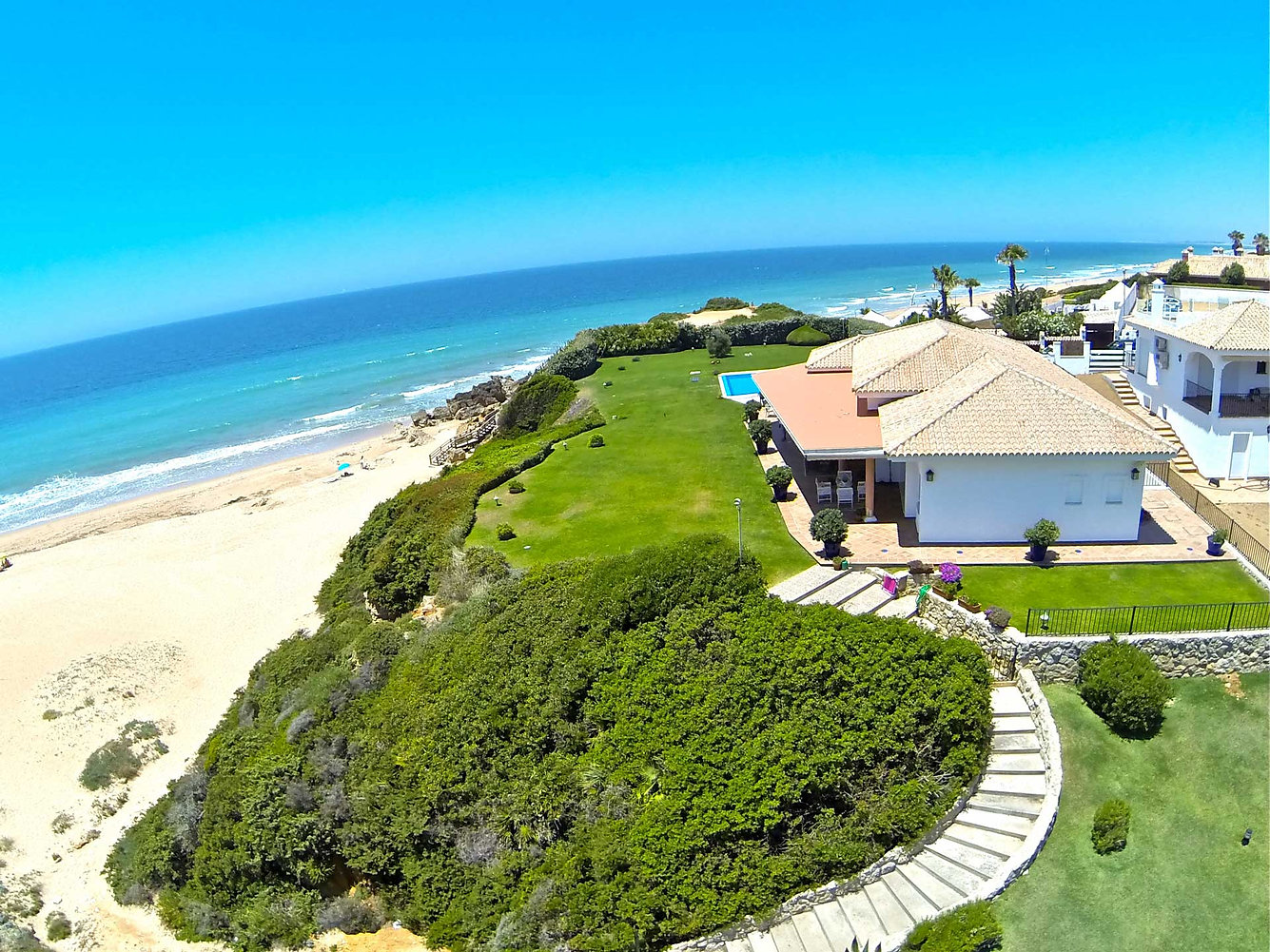 first-line-property-sea-views-beach-refv