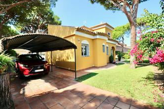 rental-holiday-home-roche-garden-ref40.jpg