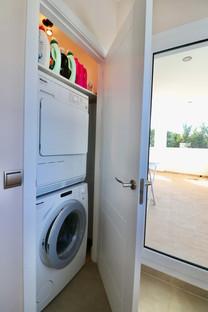 washroom-upper-floor-ref13jpg