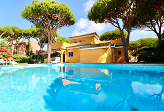 large-pool-villa-garden-ref40.jpg