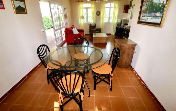 living-dining-room-view-garden-ref06.jpg