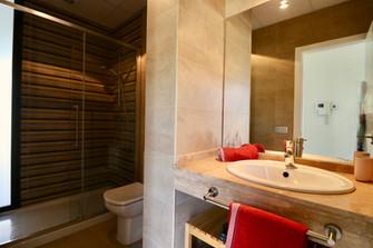 modern-luxury-bathroom-ref159jpg