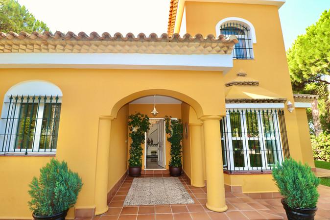 nice-villa-roche-entrance-ref40.jpg