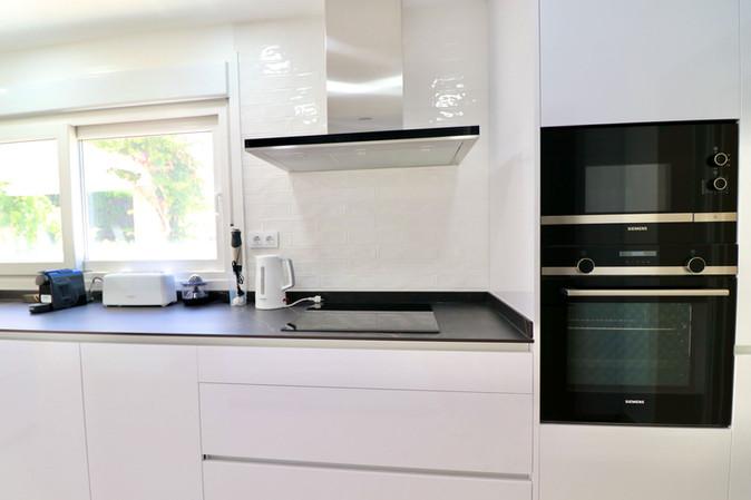 modern-luxury-design-kitchen-ref185.jpg