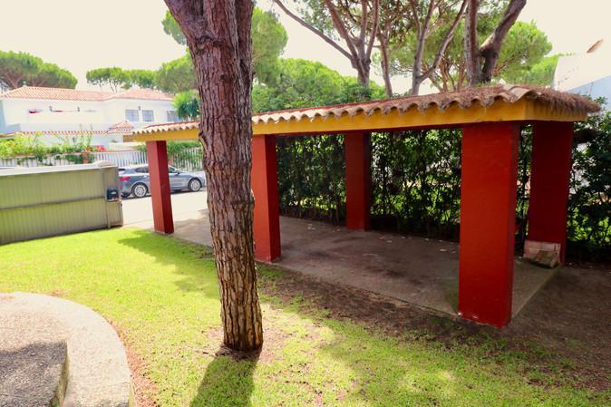 outside-parking-garden-ref06.jpg