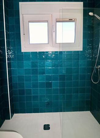 shower-bathroom-window-modern-ref85.jpg