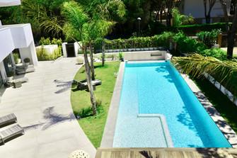 villa-pool-terrace-garden-ref18jpg